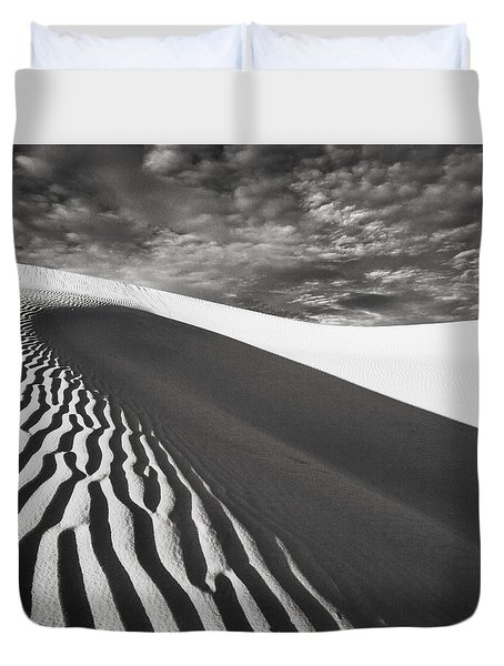 Duvet Cover featuring the photograph Wave Theory Vii by Ryan Weddle