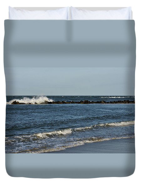 Duvet Cover featuring the photograph Waves by Sandy Keeton