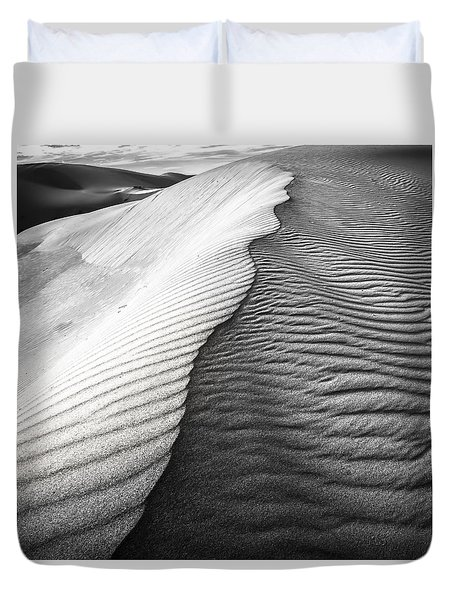 Duvet Cover featuring the photograph Wavetheory V by Ryan Weddle