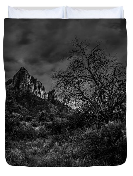Weather Tree Zion National Park Duvet Cover