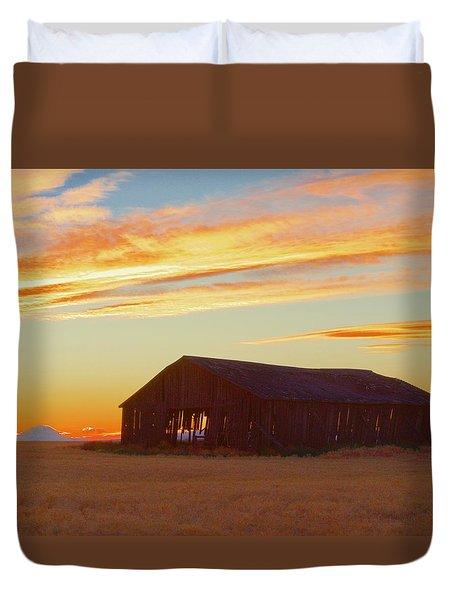 Weathered Barn Sunset Duvet Cover