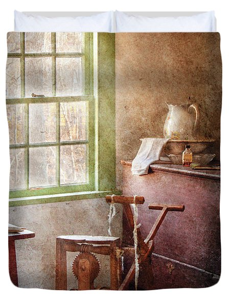 Weaving - In The Weavers Cottage Duvet Cover by Mike Savad