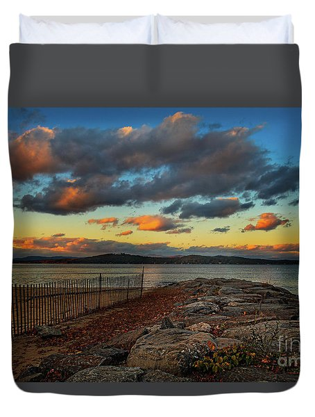 Weirs Beach Jetty At Dusk Duvet Cover
