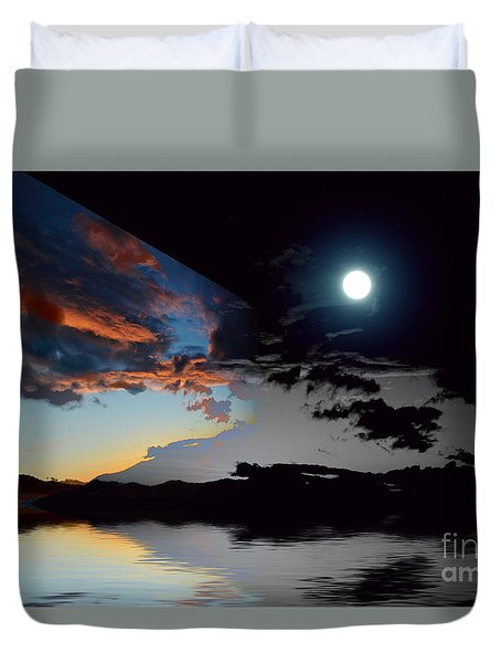 Welcome Beach Day And Night 2 Duvet Cover by Elaine Hunter
