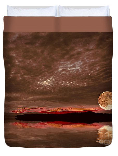 Welcome Beach Supermoon Duvet Cover by Elaine Hunter