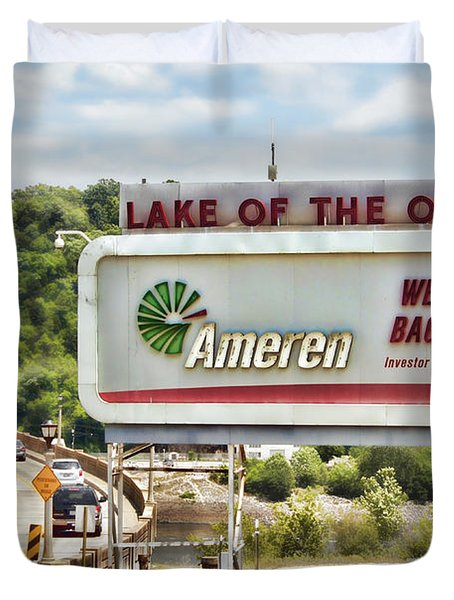 Welcome To Bagnell Dam Duvet Cover