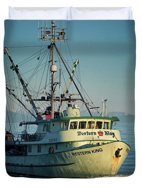 Duvet Cover featuring the photograph Western King At Breakwater by Randy Hall
