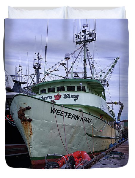 Duvet Cover featuring the photograph Western King At Discovery Harbour by Randy Hall
