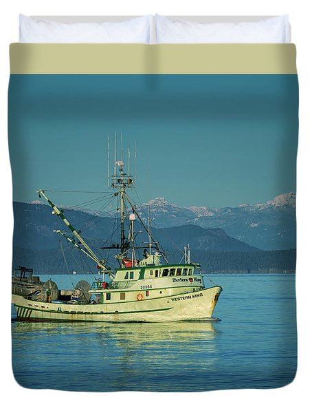 Duvet Cover featuring the photograph Western King At French Creek by Randy Hall