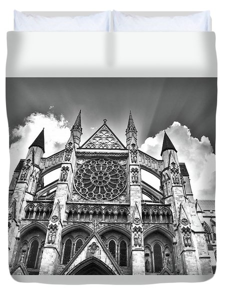 Westminster Abbey Under The Clouds And Rays Duvet Cover