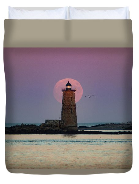Whaleback Lighthouse Moonrise Duvet Cover