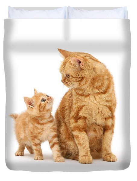 Duvet Cover featuring the photograph What's For Dinner, Mum by Warren Photographic