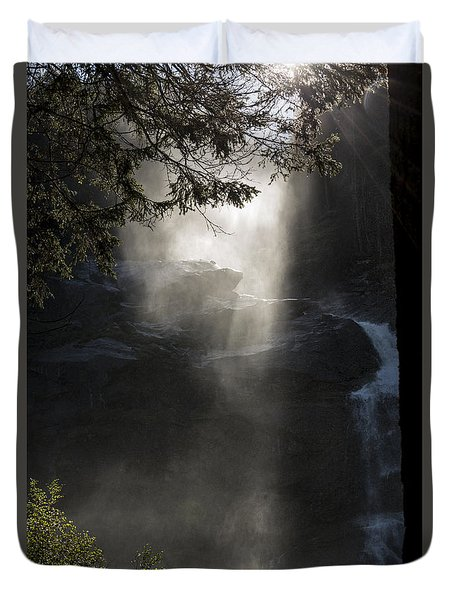 When Sunlight And Water Spray Meet 03 Duvet Cover