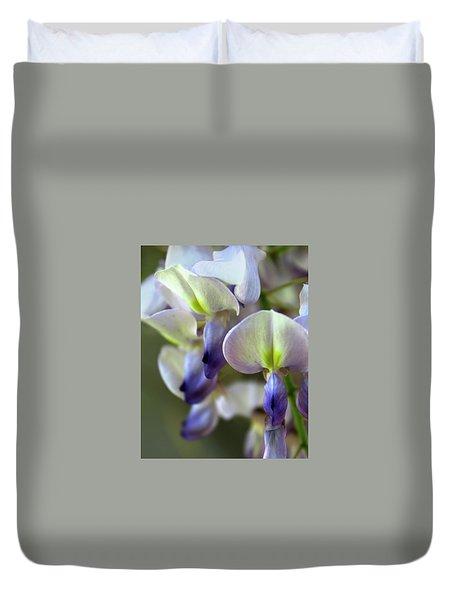 Wisteria White And Purple Duvet Cover