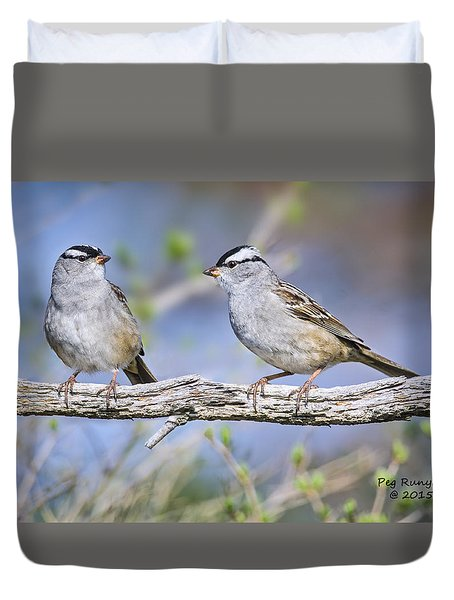 White Crested Sparrows Duvet Cover