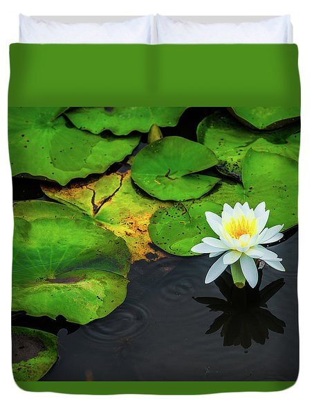 White Lily And Rippled Water Duvet Cover