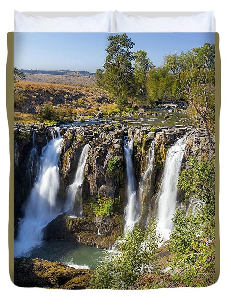 White River Falls In Tygh Valley Duvet Cover by David Gn