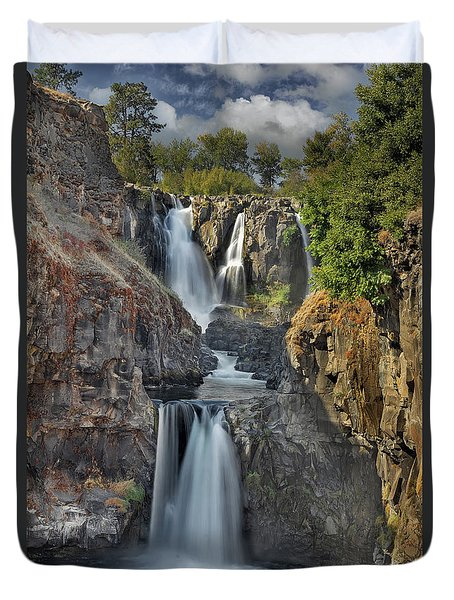 White River Falls State Park Duvet Cover by David Gn