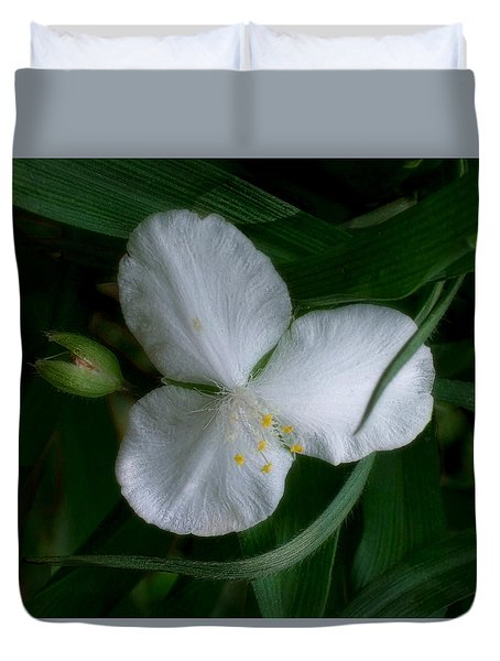 Duvet Cover featuring the photograph White Spiderwort Blossom by Louise Kumpf