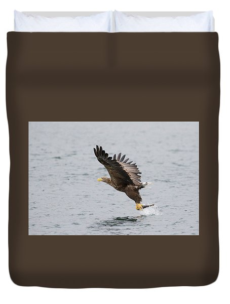 White-tailed Eagle Catching Dinner Duvet Cover