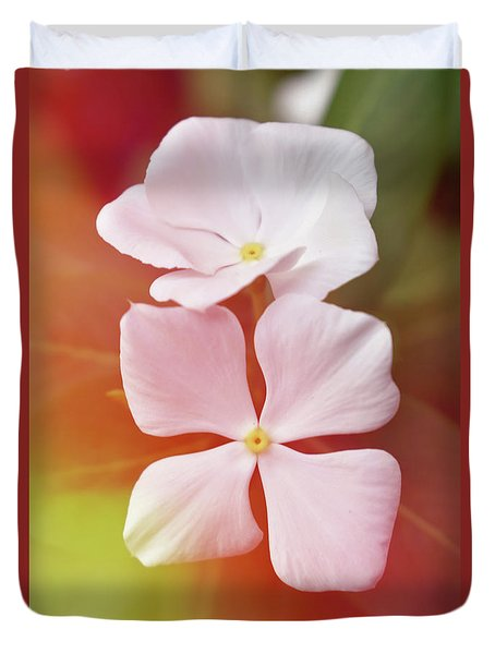 White Vinca With Vivid Highligts  Duvet Cover