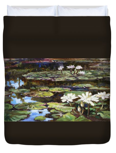 White Waterlilies In Tower Grove Park Duvet Cover