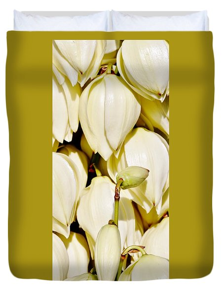 white Yucca flowers Duvet Cover by Werner Lehmann