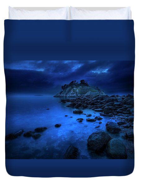 Duvet Cover featuring the photograph Whytecliff Dusk by John Poon
