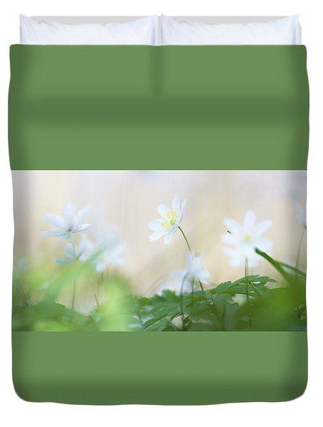 wild flower carpet - Anemone nemerosa Duvet Cover