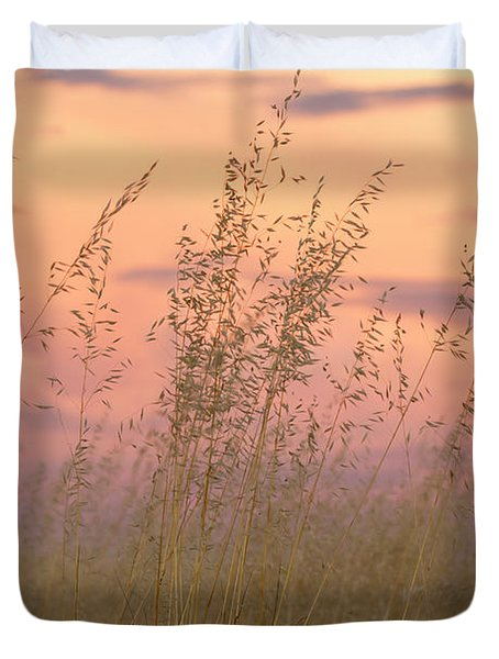 Duvet Cover featuring the photograph Wild Oats by Linda Lees