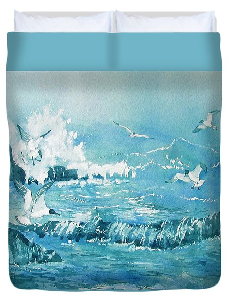 Wild Waves With Gulls Duvet Cover