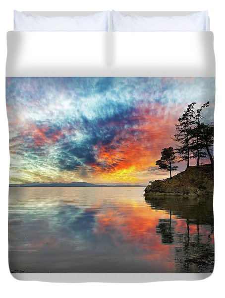 Wildcat Cove In Washington State At Sunset Duvet Cover by David Gn