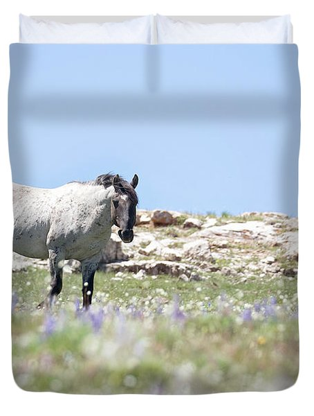Wildflowers And Mustang Duvet Cover