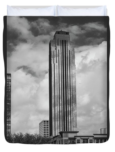 Williams Tower In Black And White Duvet Cover