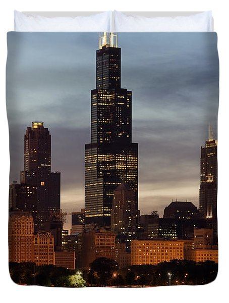 Willis Tower At Dusk Aka Sears Tower Duvet Cover