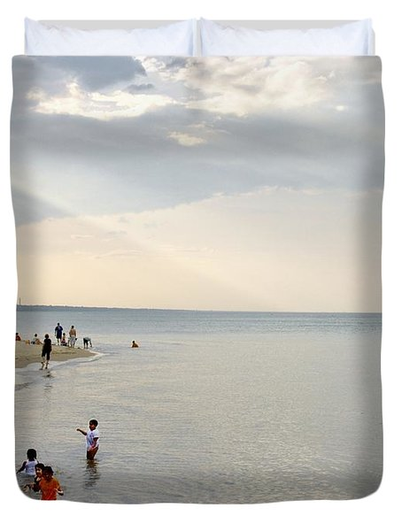 Wilmette Beach Labor Day 2009 Duvet Cover by John Hansen