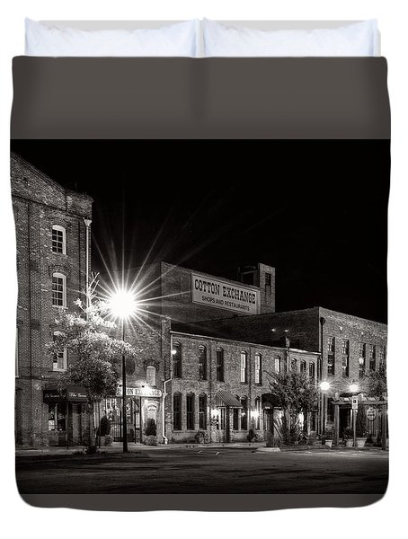 Wilmington Cotton Exchange At Night In Black And White Duvet Cover