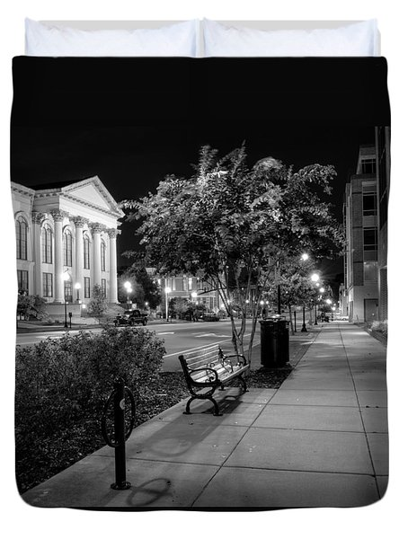 Wilmington Sidewalk At Night In Black And White Duvet Cover