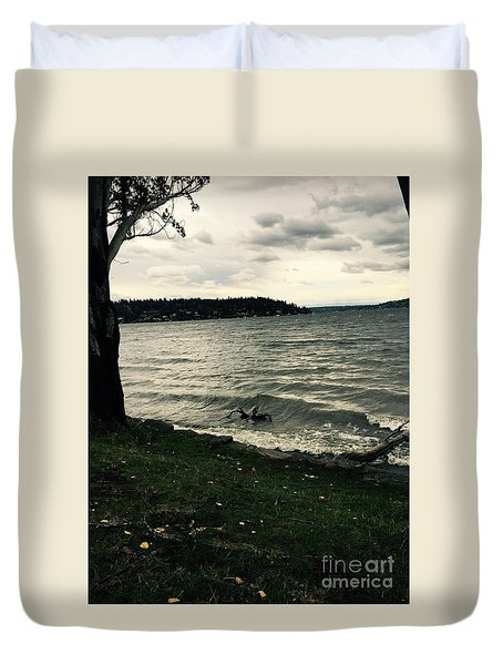 Wind Followed By Waves Duvet Cover