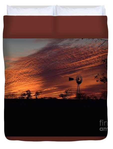 Duvet Cover featuring the photograph Windmill At Sunset by Mark McReynolds