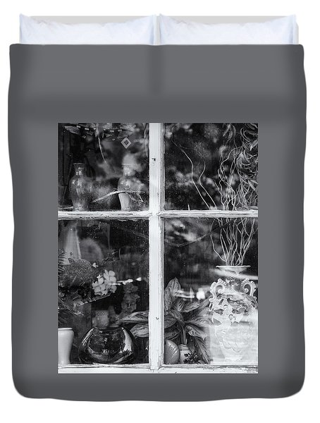 Window In Black And White Duvet Cover by Tom Singleton