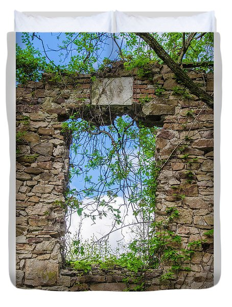 Duvet Cover featuring the photograph Window Ruin At Bridgetown Millhouse Bucks County Pa by Bill Cannon