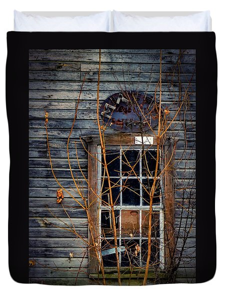 Duvet Cover featuring the photograph Window Shopping by Kendall McKernon