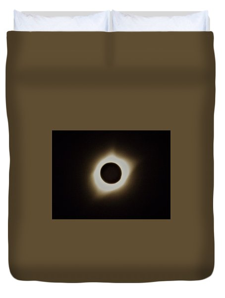 Windy Corona During Eclipse Duvet Cover
