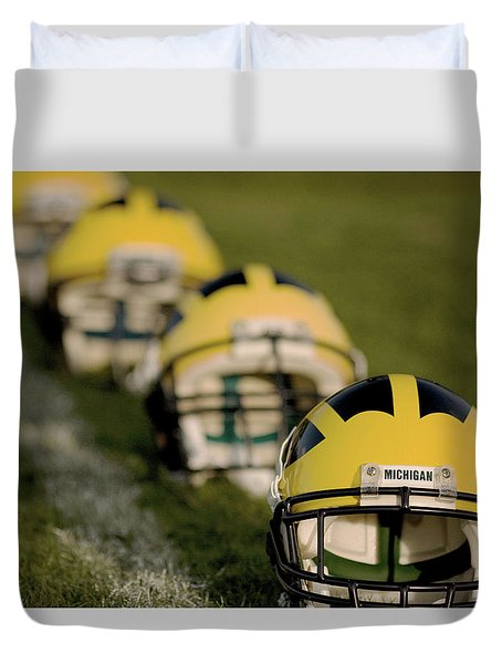 Winged Helmets On Yard Line Duvet Cover