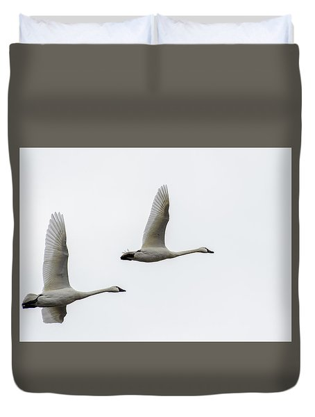 Winging Home Duvet Cover