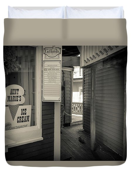 Winter At Aunt Marie's Ice Cream Stand Duvet Cover