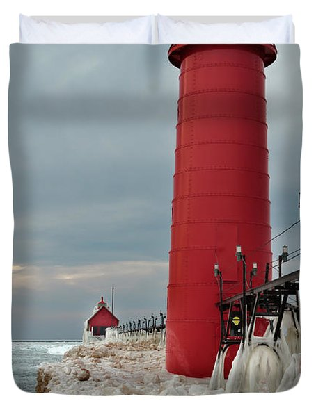 Winter At Grand Haven Lighthouse Duvet Cover