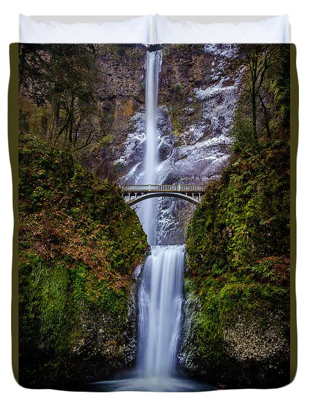 Winter At Multnomah Falls 2 Duvet Cover