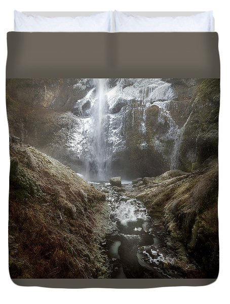 Winter Freeze At Multnomah Falls Duvet Cover by David Gn